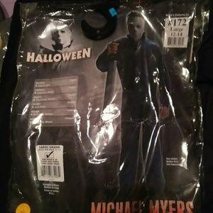 Michael Myers boys costume.